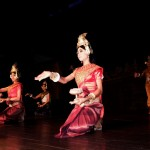 ② Siem Reap Cambodia の舞姫 2011.12.     (1) (2)